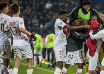 «Монако» с Головиным прервал серию из 16 матчей без побед, обыграв «Кан»