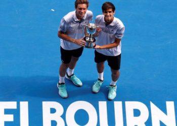 Французы Эрбер и Маю — победители Australian Open в мужском парном разряде