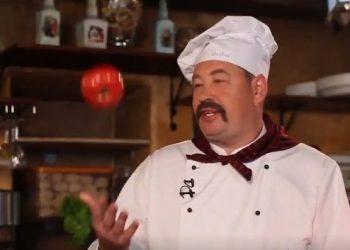 Слуцкий снялся в роли шеф-повара ресторана «Ля Кони», спародировав сериал «Кухня»