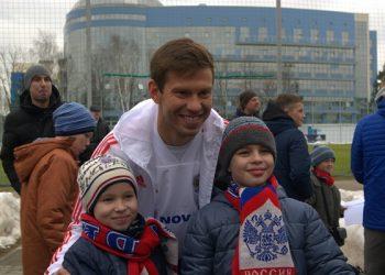 БК Fonbet организовала для детей посещение тренировки сборной России по футболу