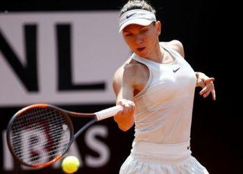 Симона Халеп покинула турнир в Индиан-Уэллсе, в 1/8 финала уступив Вандроушовой