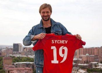 Дмитрий Сычёв спустя год возвращается в большой футбол!