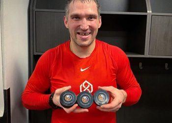 Овечкин оформил 26-й хет-трик в НХЛ и вошёл в топ-10 лучших снайперов вистории