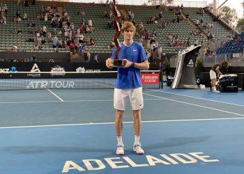 Рублёв преуспел в Аделаиде, выиграв второй турнир подряд