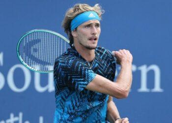 Александр Зверев продолжил победную серию